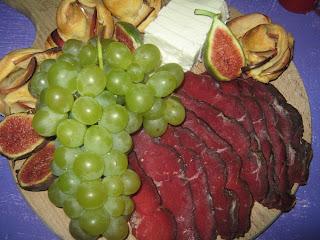 Zlatibori füstölt hátszín szőlővel,friss fügével
