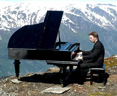Leif Ove Andsnes on a Mountain