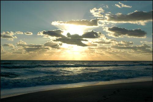 [sunrise.jpg]