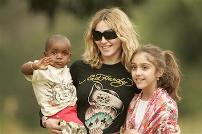 Madonna con Lourdes y David