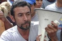 Expedito Rivera - líder de los buhoneros que pasan hambre
