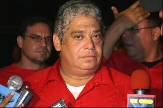 Carlos Escarrá - una mirada que no miente