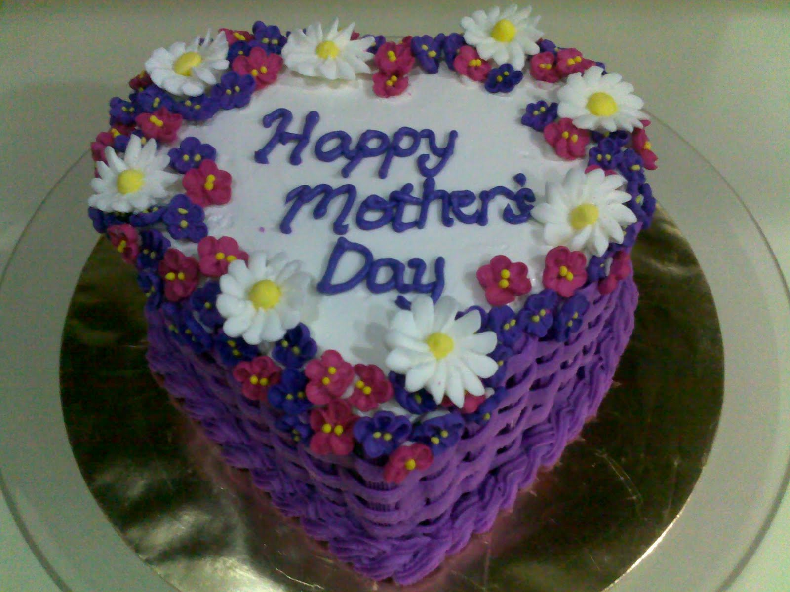 Dhia S Cake A Licious Sweet Violet And Daisies Mother S