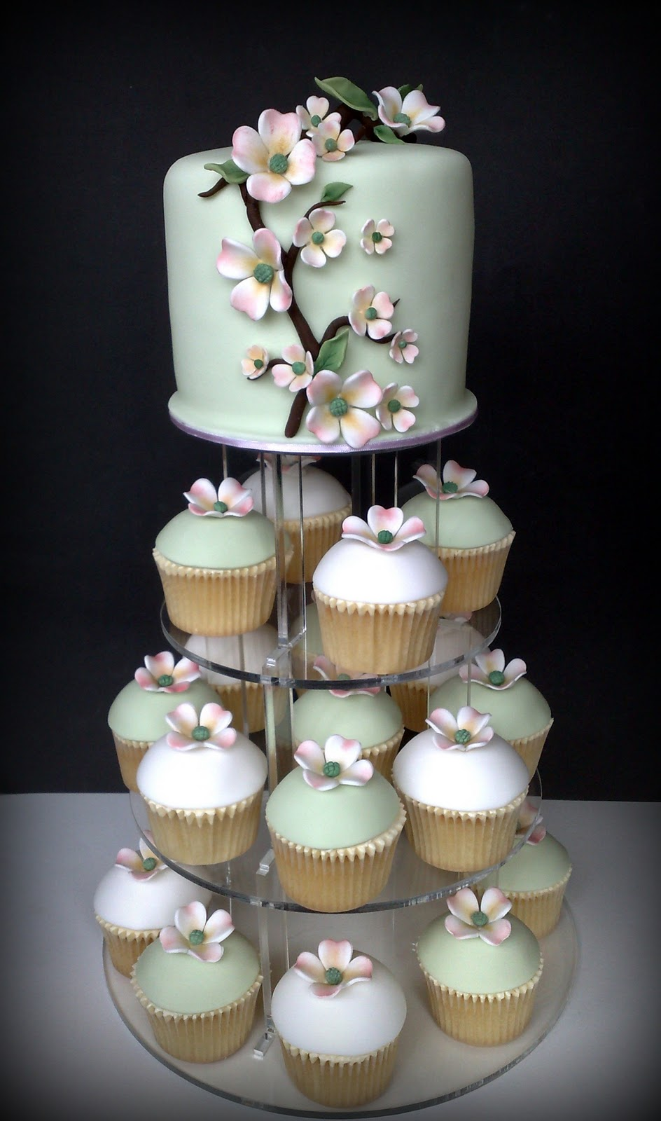 Small Things Iced Dogwood Wedding Cupcakes Amp Cutting Cake