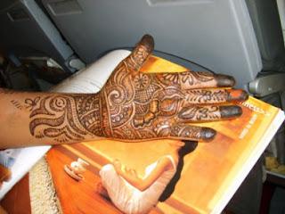 Aishwarya Rai Hand With A Mehendi