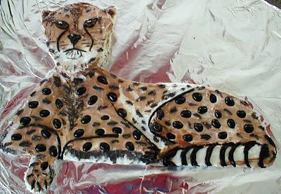 http://1.bp.blogspot.com/_nj5QjNOpgLQ/SJO5CrNNL_I/AAAAAAAADMo/DKGgryzqGHQ/s400/CheetahCakeFIXED.jpg