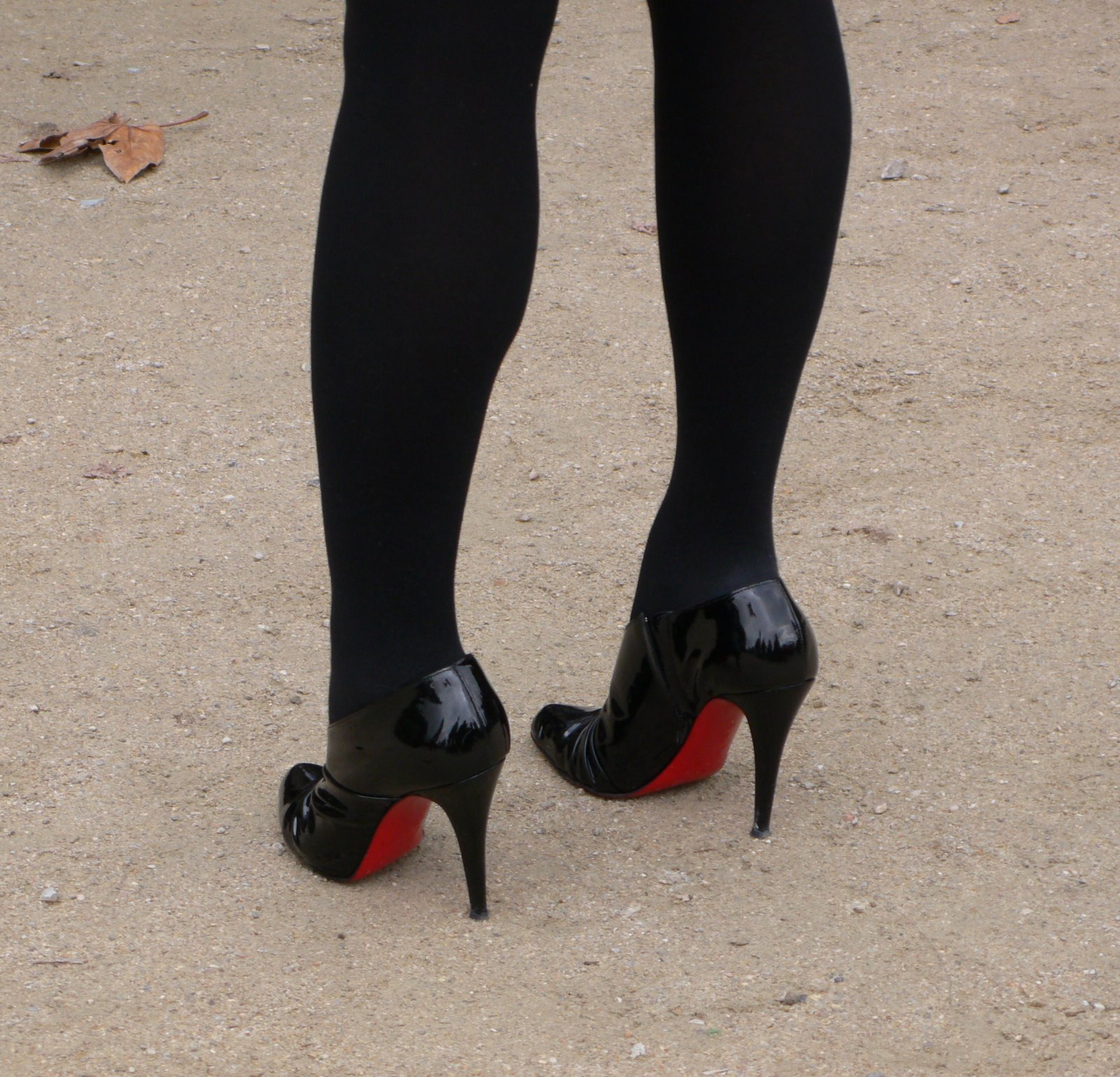 [Louboutin+low+boots]