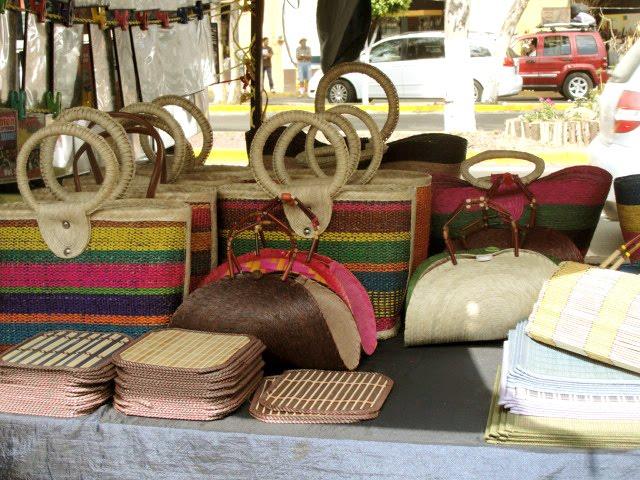 De visita en el tianguis de tonal desde jalisco for Lugares donde venden muebles