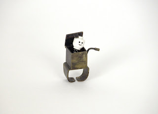wind-up rings by helen mok (lingling) :  jack-in-the-box rings jewelry jewellery
