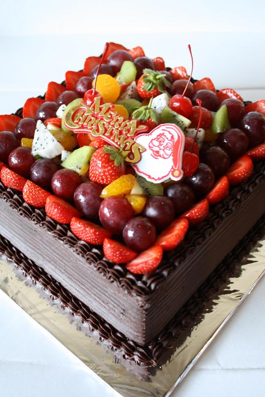 Masama Cakes Christmas Chocolate Cake With Fruit Topping