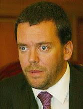 HOMBRE MIRANDO AL SUDESTE (F. Harboe, Sub secretario del interior, Chile