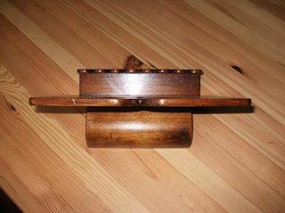 Pulpit, podstawka na książkę z motywem zakopiańskim