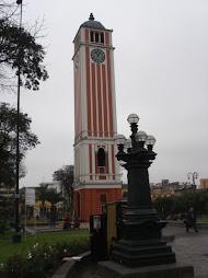 Reloj Parque Universitario Lima