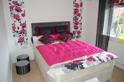 Pink Flower Bedroom Interior Design Idea