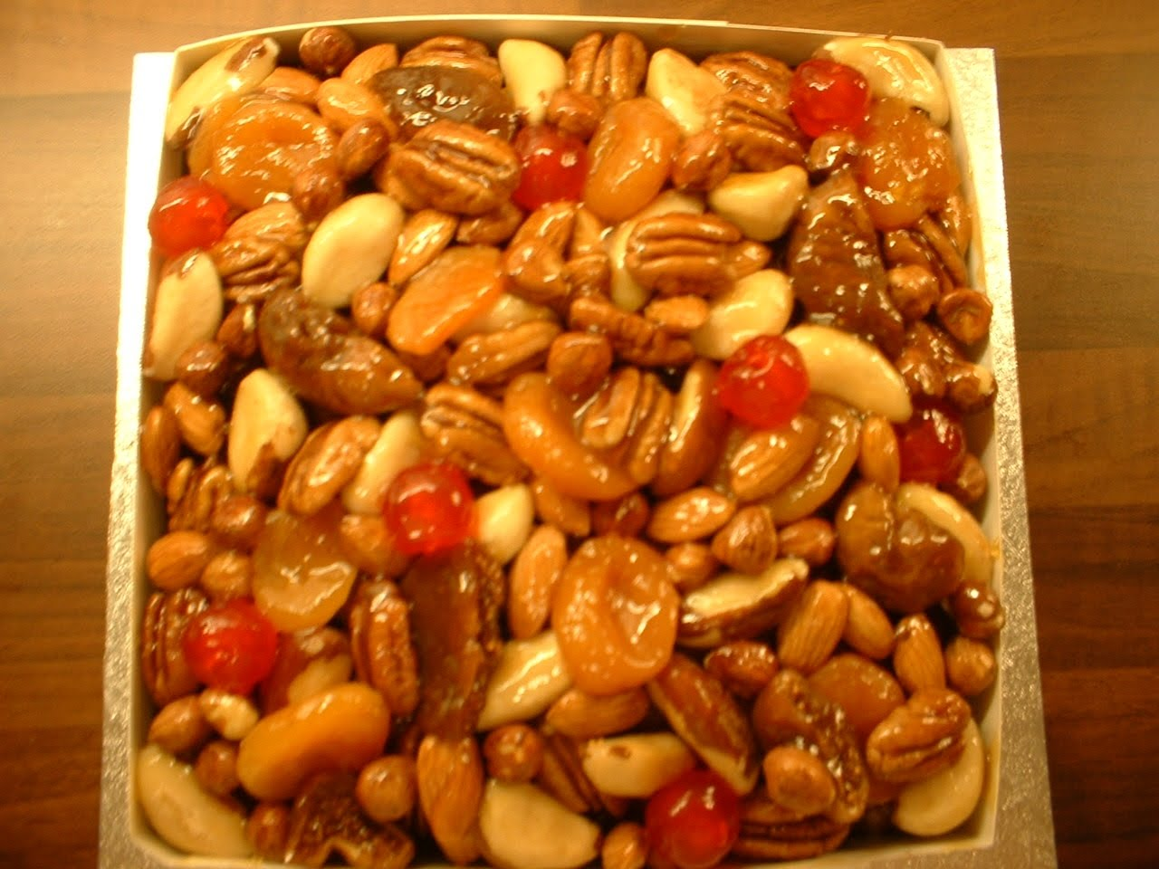 Christmas cake decoration with fruit and nuts - Glazed Fruit And Nut Christmas Cake
