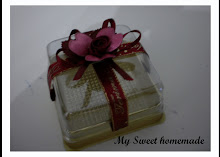 coklat box with ribbon