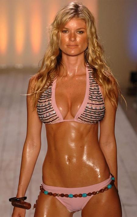 Hot sexy sweaty girls