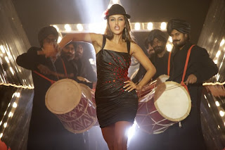 Singh Is Kinng Stills Very Hot
