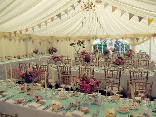 BEAUTIFUL LITTLE WEDDINGS: Vintage Marquee Reception