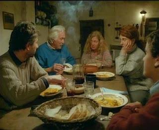 Un lugar en el mundo I. Película argentina dirigida por Adolfo Aristarain en  1991. Galardonada con la Concha de Oro en San Sebastián al año siguiente. 5339dd803aea5
