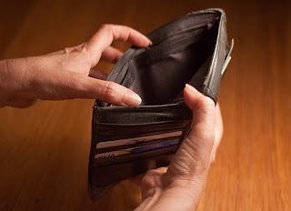 arti mimpi uang habis, arti mimpi uang diambil orang, arti mimpi uang koin, arti mimpi uang kita hilang, arti mimpi uang hanyut, arti mimpi uang di dompet, arti mimpi uang terbakar, arti mimpi uang dollar, arti mimpi uang logam, arti mimpi uang hilang,