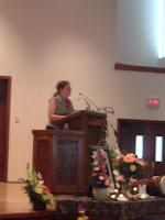 Elsie giving the eulogy.