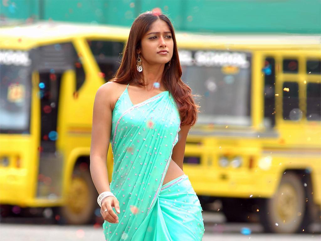 Telugu Actress Ileana Navel Pics-9071