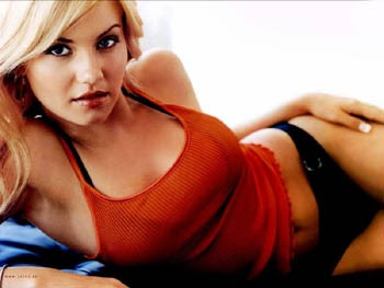 Elisha Cuthbert sexy images pictures