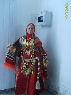Costumes traditionnels tunisiens for Centre ville la mariage robes