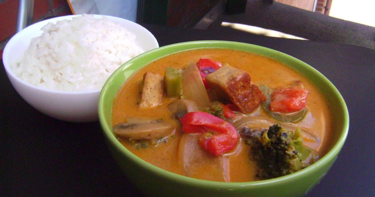 mildes thai curry mit gebratenem tofu gem se kokosmilch und reis vegane rezepte auf laubfresser. Black Bedroom Furniture Sets. Home Design Ideas