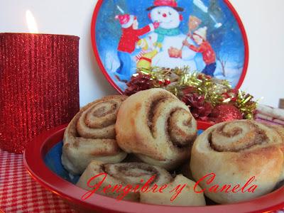 cinnamon-rolls-navideños
