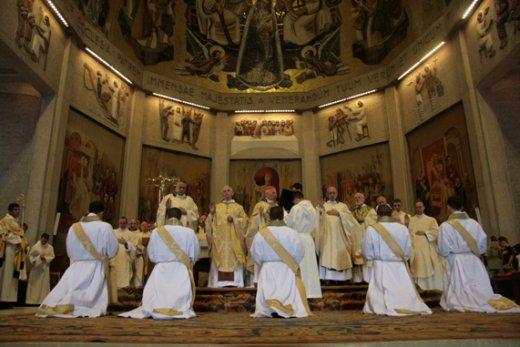 New Liturgical Movement: Communauté Saint-Martin