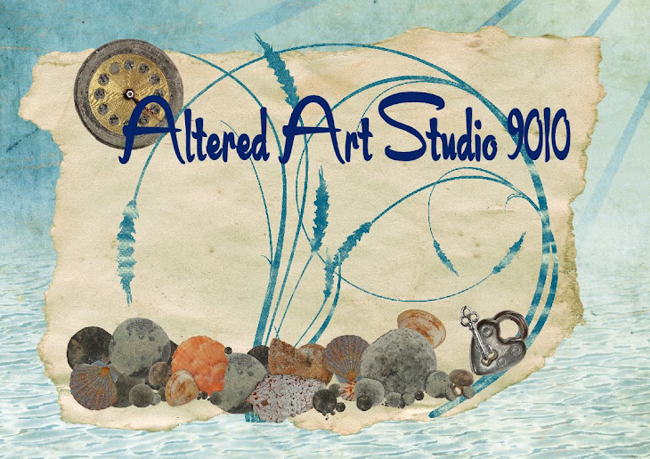 Altered Art Studio 9010
