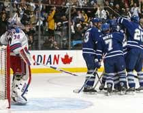 Leafs rout Rangers