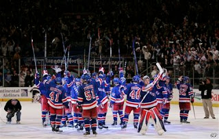Rangers salute fans after sweeping Thrashers - April 17, 2007
