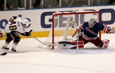 Lundqvist stops Sabres co-captain Daniel Briere with 16.7 seconds remaining