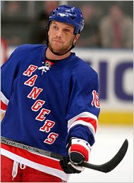 Rangers should re-sign Sean Avery