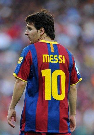 Sciabolata Morbida: Messi vs Ronaldo: who's the best?