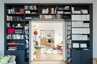 black+bookcase+via+emmas+blogg.jpg (554×369)