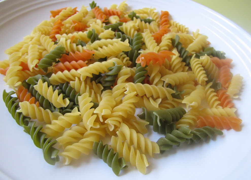 Super Yummy Recipes: Minestrone Soup With Tricolor Pasta
