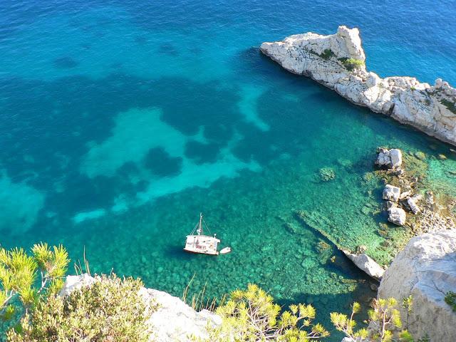 le torpilleur dans les calanques  de Marseille
