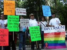 INTEGRANTES DE DIVERSUM MEXICO EN LA MARCHA POR LA LUCHA CONTRA EL SIDA 2007