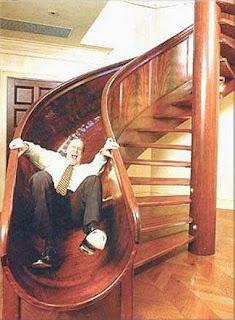 أغرب السلالــــــم ....  Slide-staircase