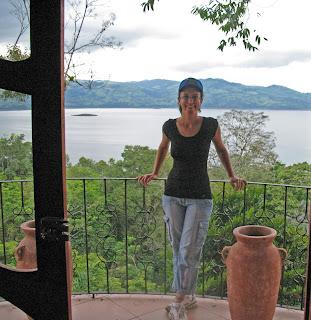 Erica Ridley in Costa Rica: Laguna Arenal en Nuevo Arenal