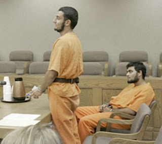 http://bp2.blogger.com/_orkXxp0bhEA/RuvXur0HksI/AAAAAAAABY0/9SjLXchVGH0/s1600-h/070915-suspects.jpg