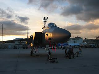 アメリカフェスト2008で三字されていた夕陽に映える戦闘機