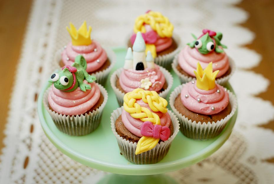 Disney Tangled Cupcakes!