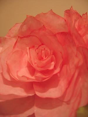 Las rosas de papel de mommymakesroses Paper+rose+final