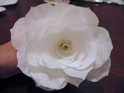 Las rosas de papel de mommymakesroses Paper+rose4