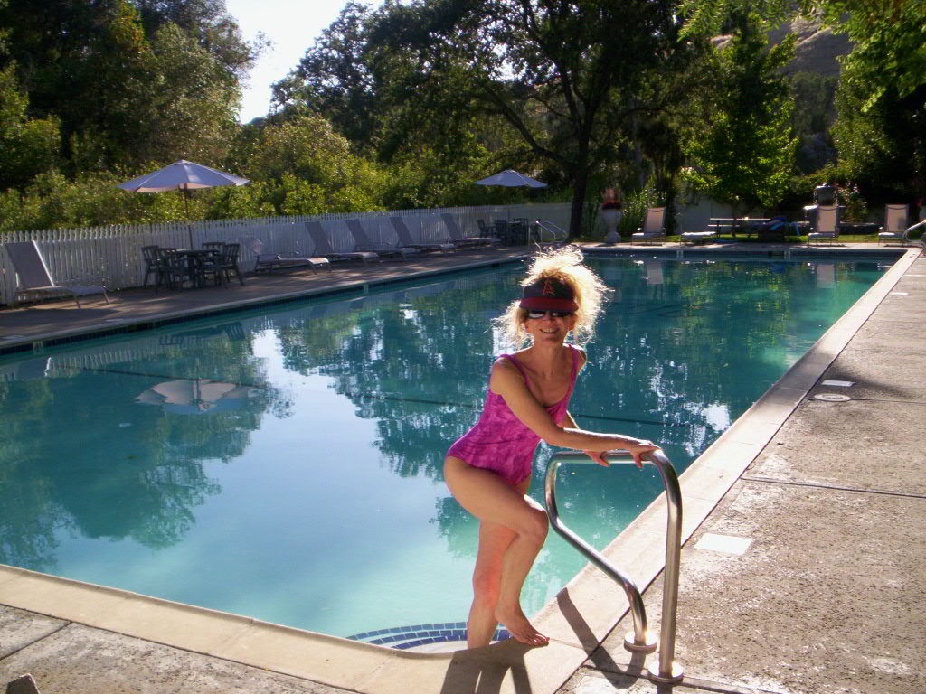 [Carol+at+Vichy+Pool.jpg]